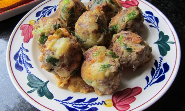 Pegedil Daging  (Meat & Potato Patties)