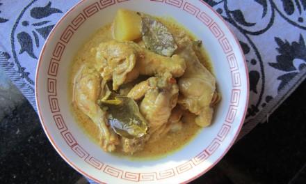 Opor Ayam  (Chicken Braised in Coconut Milk)