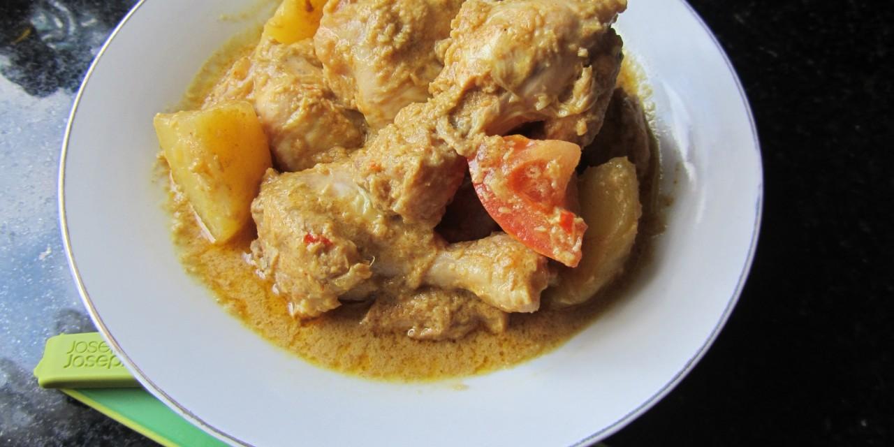 Kari Ayam  (Mild Malaysian Chicken Curry)