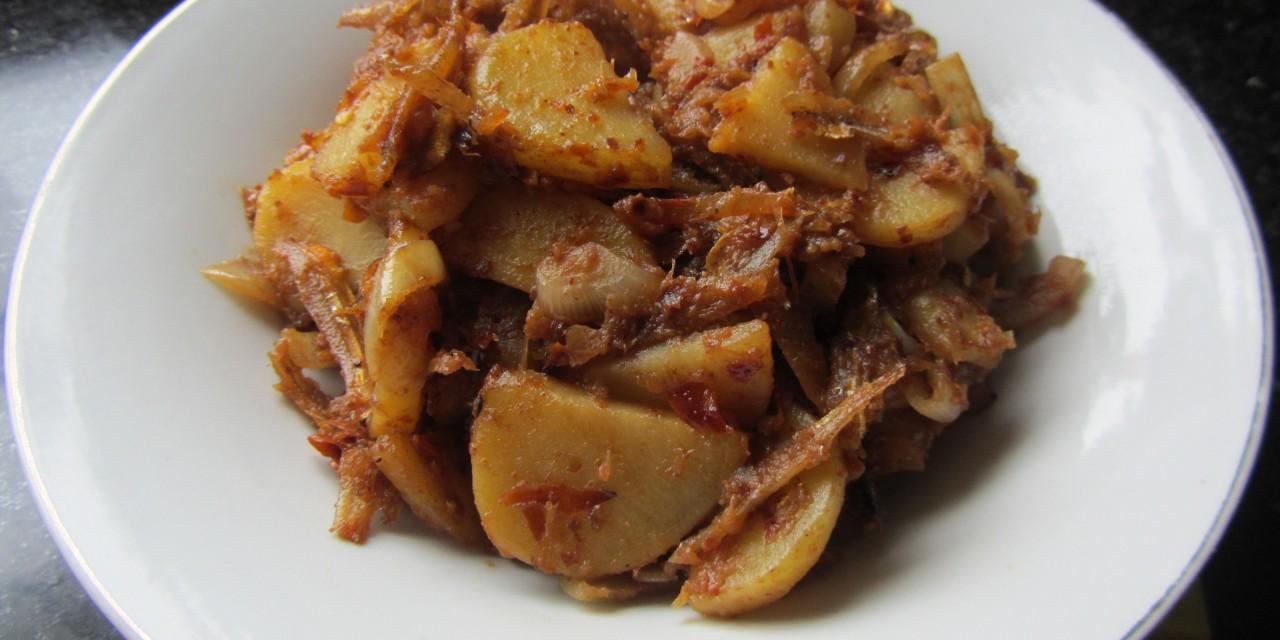 Dried Anchovies & Potatoes Sambal  (Sambal Ikan Bilis & Kentang)