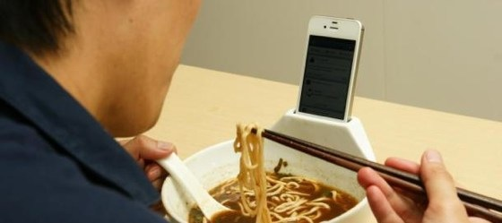 Anti-Loneliness Ramen Bowl: Soup Bowl with iPhone Holder