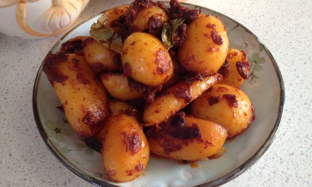 Potatoes in Red Sauce